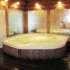 Spa Plus Plus in Bali - Jacuzzi Bath