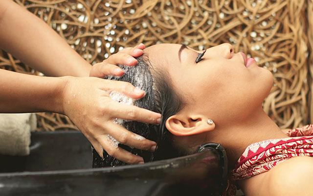 Ubud Spa - Agung Sari Spa : Hair Wash