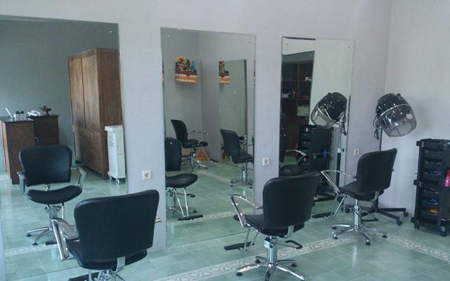 Aliya Salon & Day Spa - Umalas, Seminyak - HairDresser