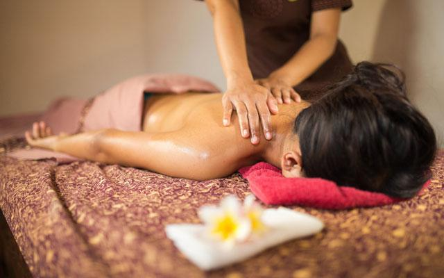 Back Massage - Siesta Spa Tuban