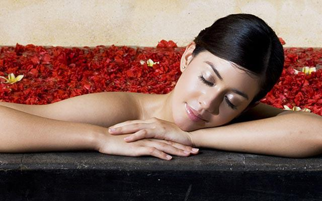 Nusa Dua Spa - Baliwis Spa :Flower Bath