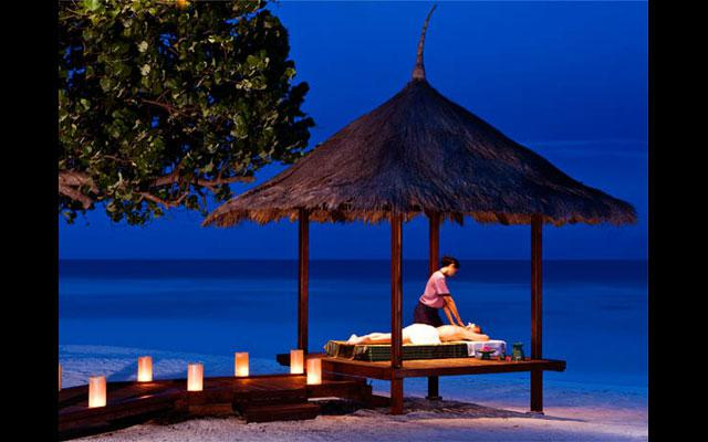 Balinese massage by the beach - Banyan Tree Spa Ungasan