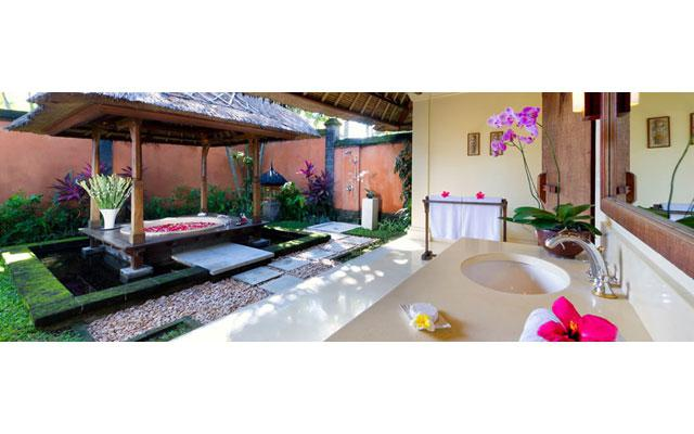 Spa Seminyak - Ombak Laut Spa - Flower Bath