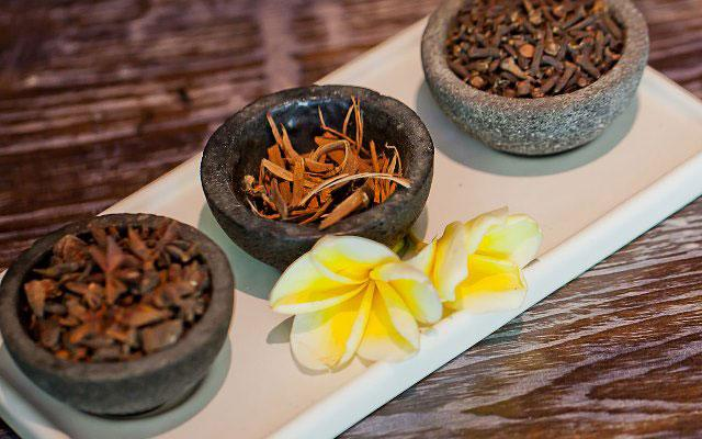 Spa Seminyak - The Spa at The Breezes Bali - Spices