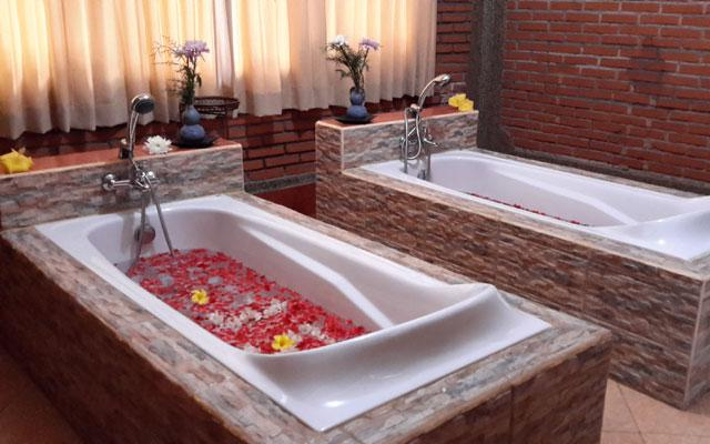 Ubud Spa - Sunset Spa : Bath Tub