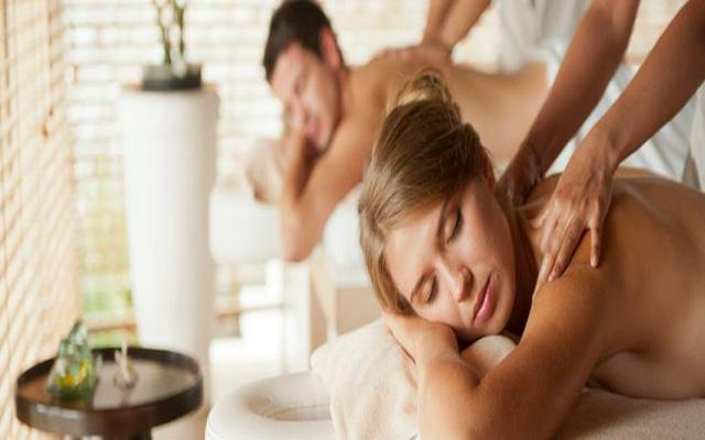 Spa Tuban - Tea Tree Spa : couple massage