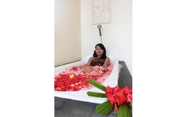 Spa Bali Lembongan - Dream Beach Kubu - Flower Bath