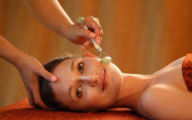 Spa Seminyak - The Private Spa Wellness Center : face treatment