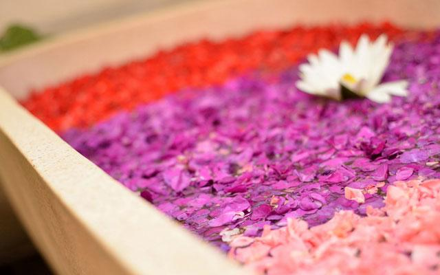 Holiday Spa Sanur-Flower Bath