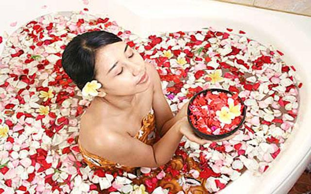 Spa Bali - Toya Spa : flower bath