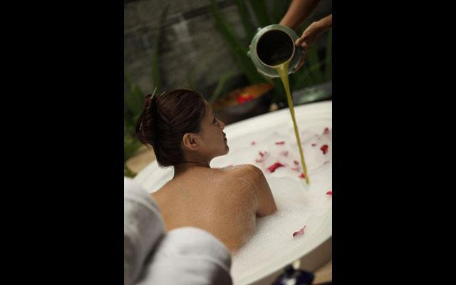 Canggu Spa - Ruby Spa : Flower Bath