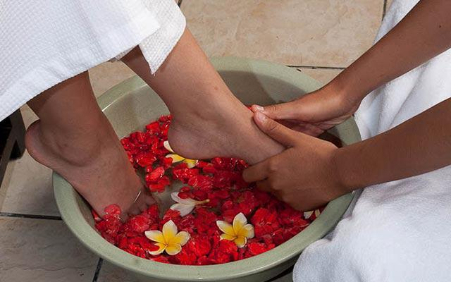 Nusa Dua Spa - Baliwis Spa : Foot Bath