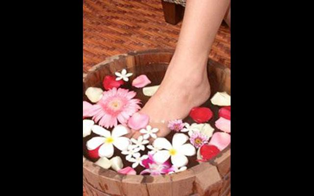 Good Massage Sanur - Foot Bath