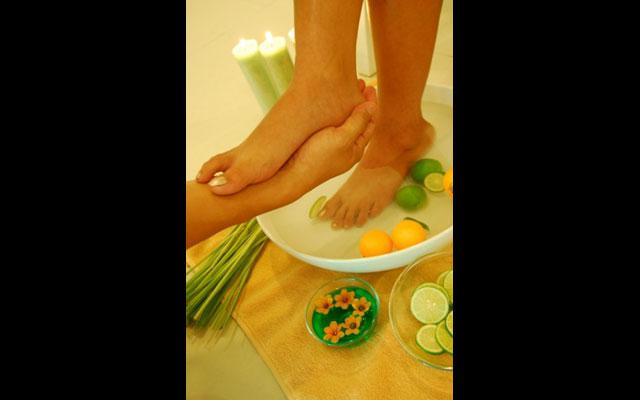 Foot Bath - Harris Riverview Kuta Hotel
