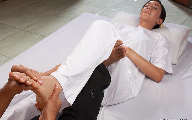 Nusa Dua Spa - Baliwis Spa : Foot Massage