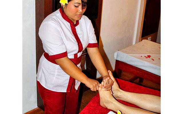 Spa Seminyak - Pudak Ratu Spa : foot reflexology
