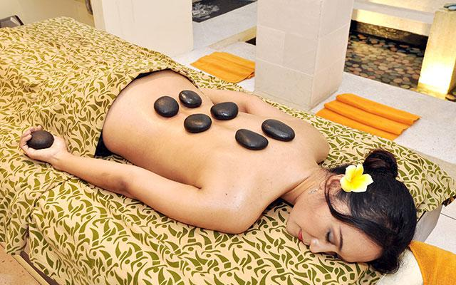 Kuta Spa - H'Spa Happy Feet Reflexology : Stone Treatment