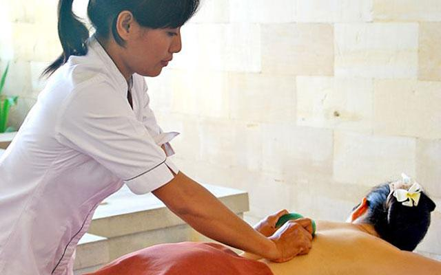 Spa Nusa Dua - Spa The Bale : herbal massage