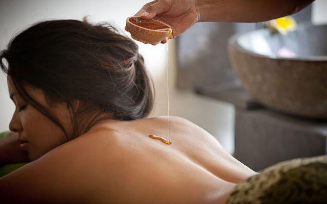 Spa Seminyak - The Spa at The Breezes Bali - Honey Body Treatment