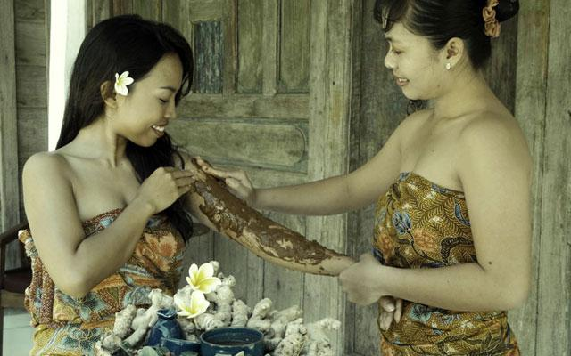 Spa in Sanur - Jamu Traditional Spa: Boreh Spice Body Mask