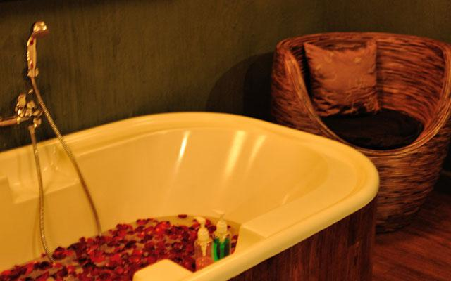 Kamala Bamboo Spa Jimbaran - Bath Tub