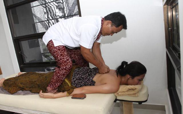 Spa Bali-Enjoy Spa & Reflexology Denpasar-Massage