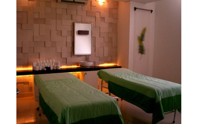 Aesthetic Clinic in Denpasar - Miracle Aesthetic Clinic - Treatment Room