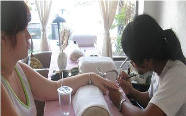 Spa Bali-Bali Naik Spa and Salon-Nail Art Process