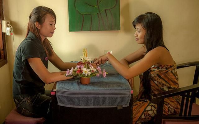 Nirvana Spa Seminyak - Nail Treatment