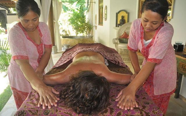 Four hands massage at Prana Veda Bali Spa Tejakula
