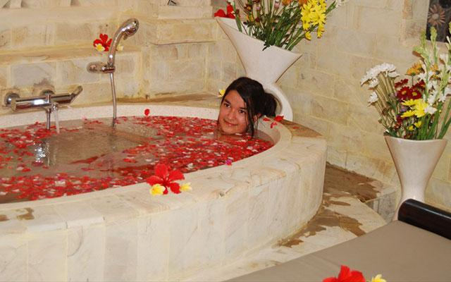 Rambutan Spa Flower Bath