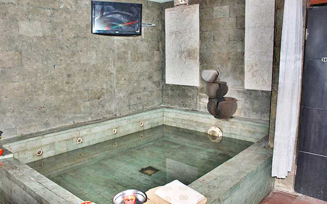 Spa Plus Plus in Bali - Refrezz Spa - Body Sliding