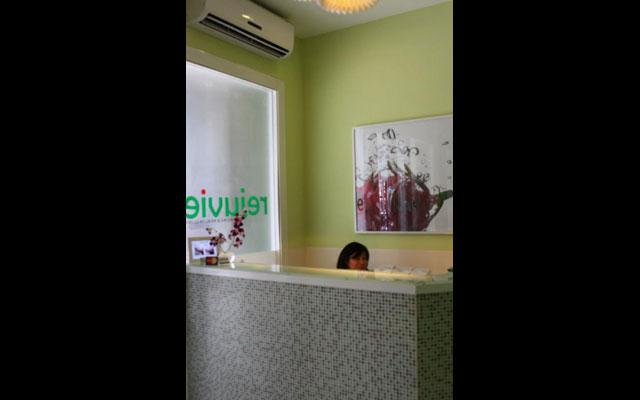 Spa Kuta - Rejuvie Skin Clinic : receptionist