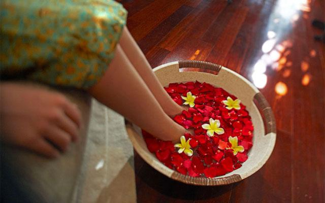 Spa in Seminyak - The Elysian - Foot Bath