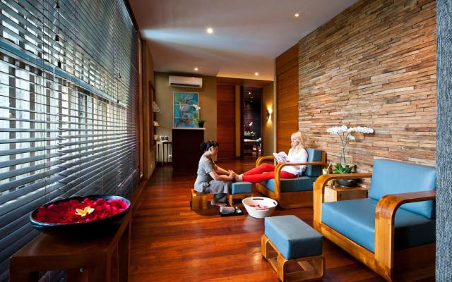 seminyak-spa-elysian-spa-foot-treatment