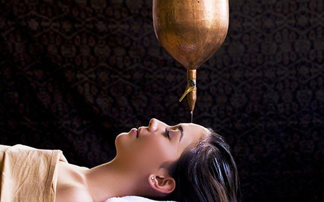Nusa Dua Spa - Baliwis Spa : Shirodara