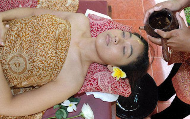 Bali Green Spa Kuta - Shirodara Medicinal Treatment