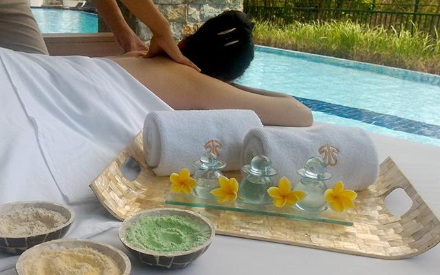 Balinese Massage - The Sintesa Jimbaran - Massage by the pool