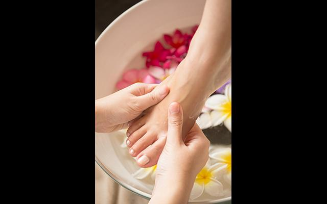 Spa Nusa Dua - Tea Tree Spa at Holliday Inn Tanjung Benoa - Foot Bath