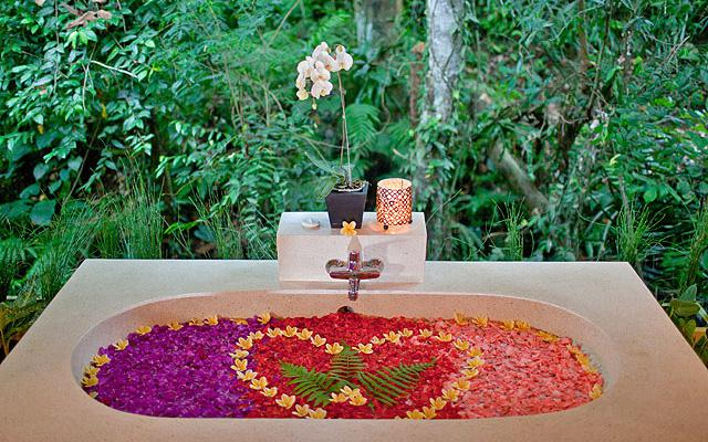 Flower Bath - The Beji Spa Ubud