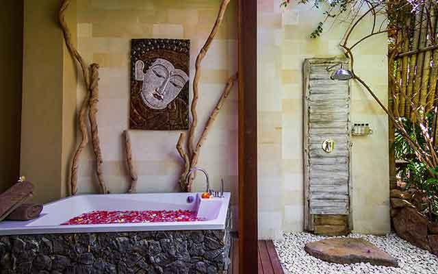 The Griya Villas and Spa Amed - Bath Tub and Shower
