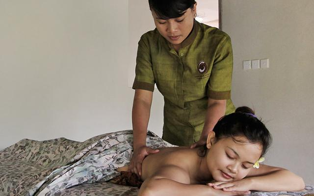 Tirta Bulan Spa - Puri Sebatu Resort - Body Massage