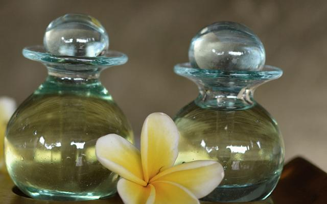 Tirta Bulan Spa - Puri Sebatu Resort - Massage Oils