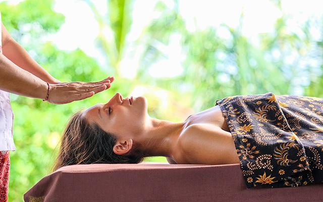 Desa Visesa Spa - Healing Massage
