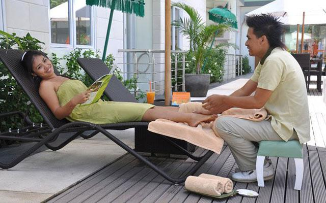 Happy Feet Reflexology - Harris Riverview Hotel Kuta
