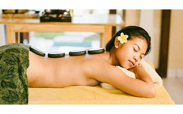 Spa Lembongan - Harumaya Day Spa : hot stone massage
