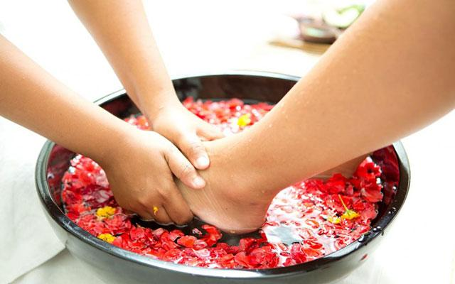The Khayangan Spa Foot Massage