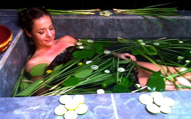 Starchild Spa Ubud Herbal Bath
