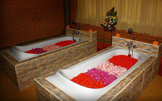 Spa Ubud - Sunset Spa : flower bath