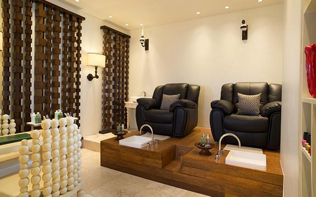Spa Nusa Dua - Tea Tree Spa at Holliday Inn Tanjung Benoa - Pedicure Room
